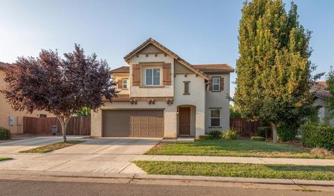 465 Serena Ave, Clovis, CA 93619