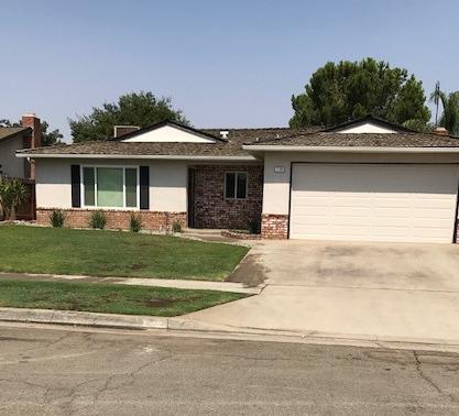 1126 W Alluvial Ave, Fresno, CA 93711