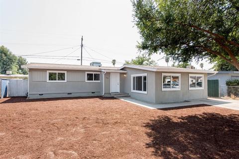 216 Mitchell Ave, Clovis, CA 93612