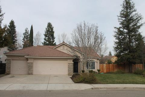 2426 E Oak Haven Dr Fresno CA 93730