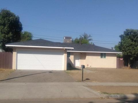 2715 E Swift Ave, Fresno, CA 93726 MLS# 512852 - Movoto com