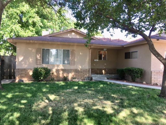 10521 N Minnewawa Ave, Clovis, CA 93619