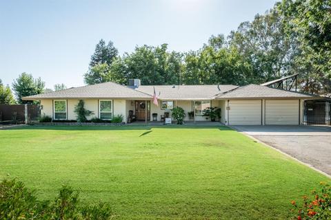 10601 N Minnewawa Ave, Clovis, CA 93619