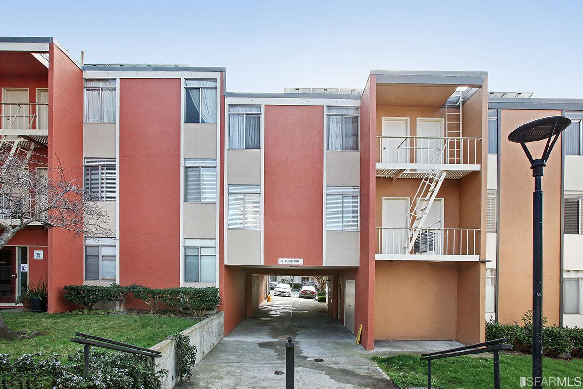 45 Western Shore Ln #APT 4, San Francisco, CA