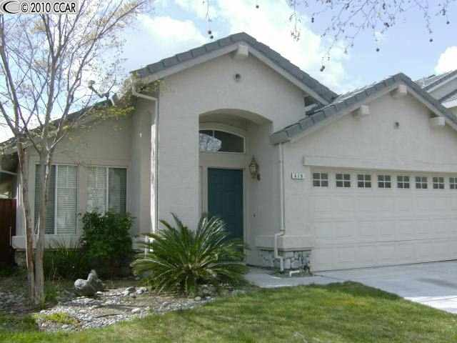 419 Apple Hill Dr, Brentwood, CA