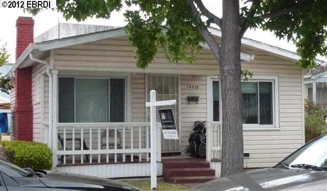 10332 Byron Ave, Oakland, CA