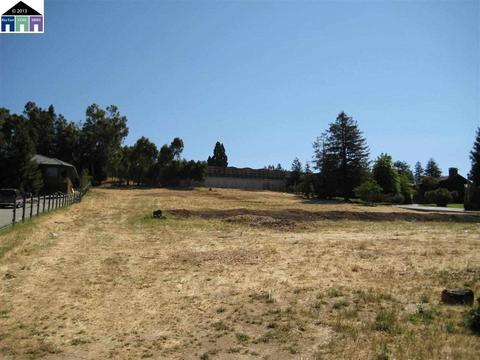 Ewing Road, Castro Valley, CA 94546