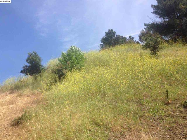 6171 Hillside Dr, El Sobrante, CA 94803