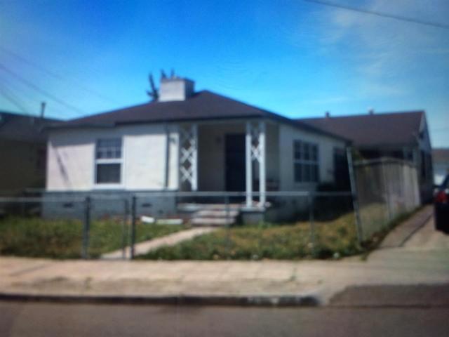 9309 Walnut St, Oakland, CA 94603