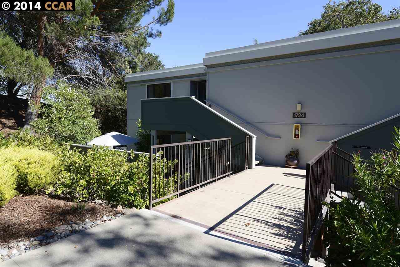 1724 Oakmont Dr, Walnut Creek, CA
