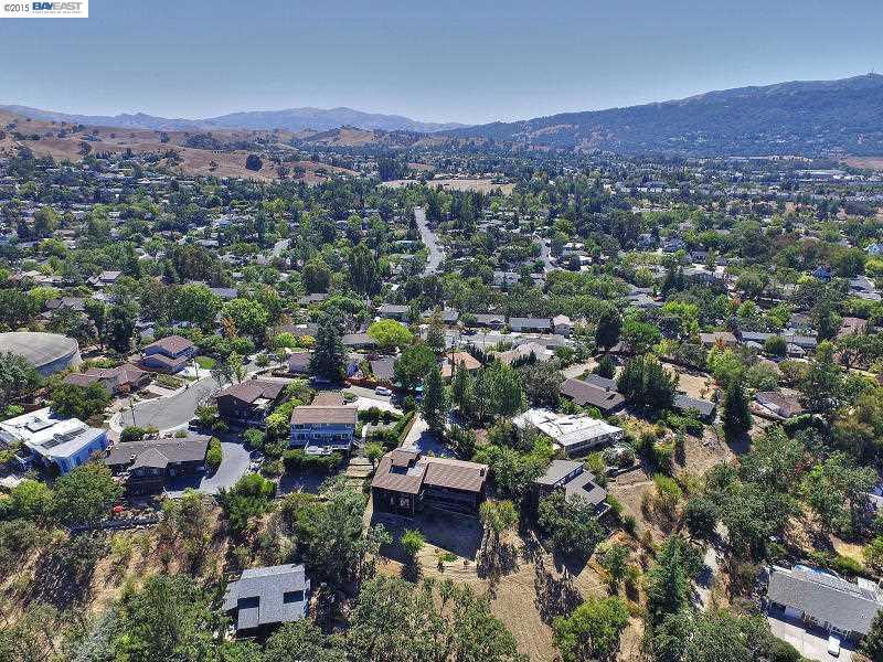 504 Pine Hill Ln, Pleasanton, CA