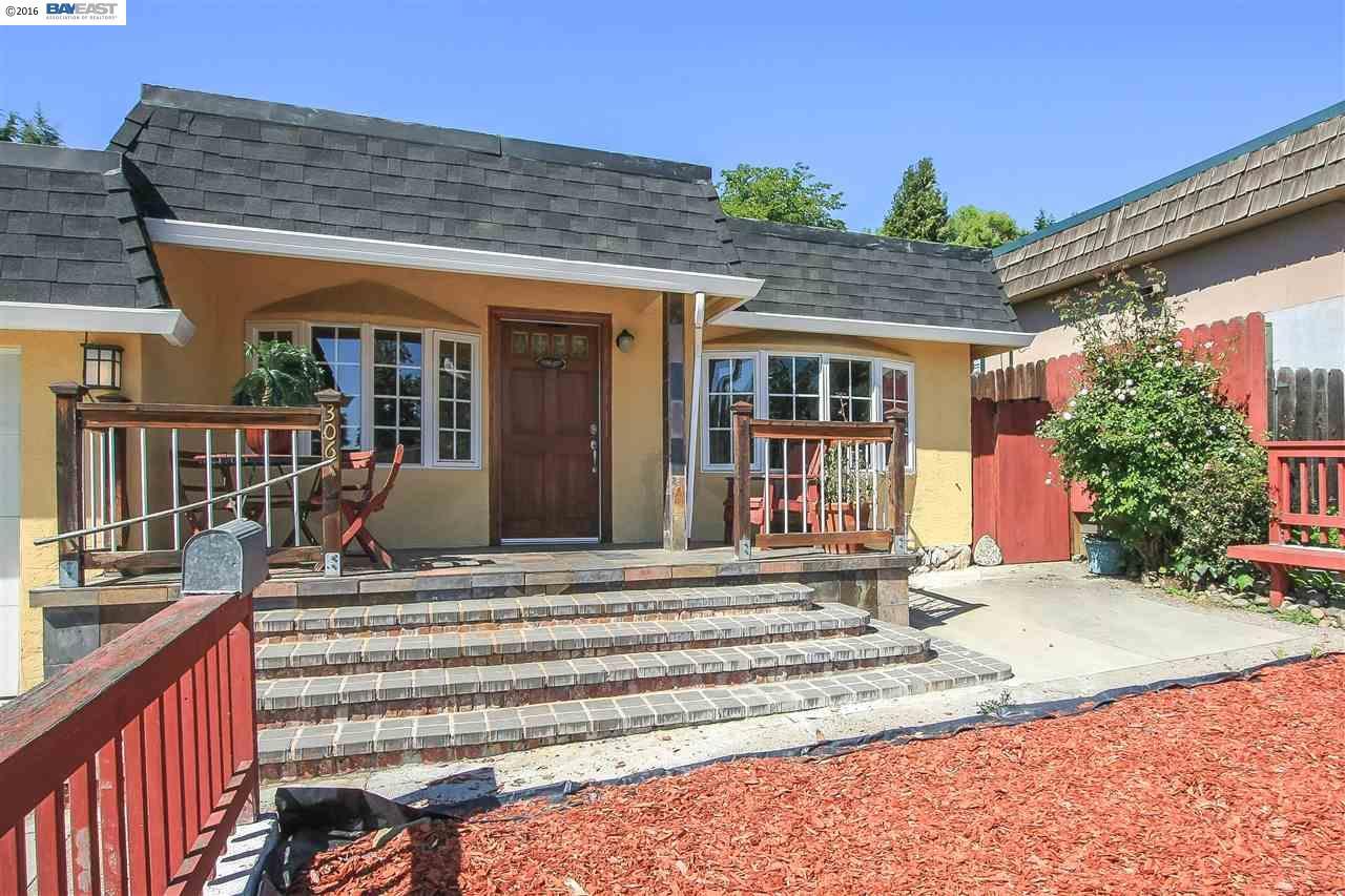 306 Riviera Dr, Union City, CA