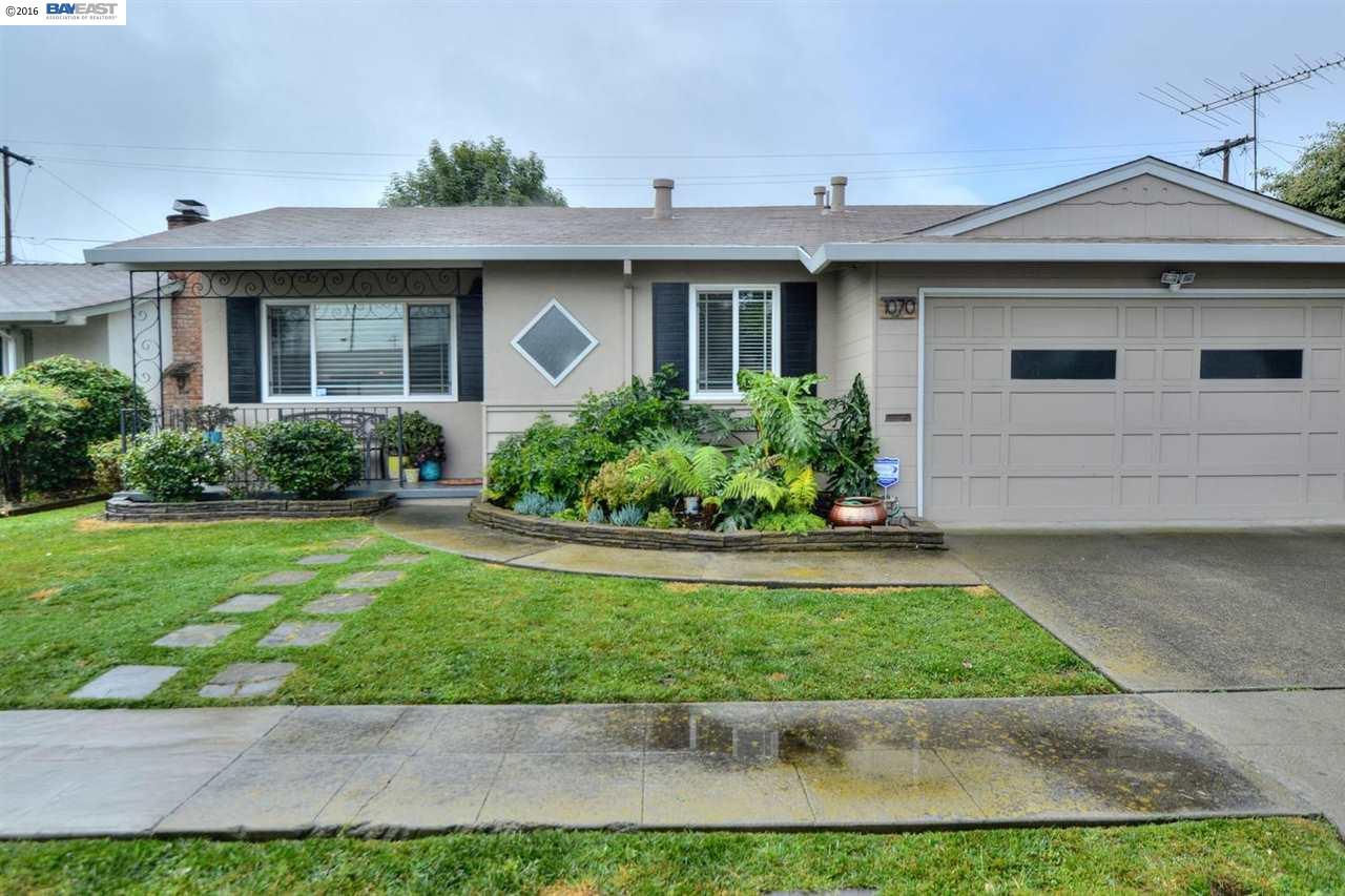 1070 Avondale Ln, Hayward, CA