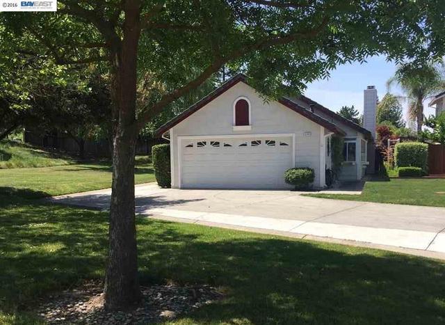 3195 Half Dome Dr, Pleasanton CA 94566