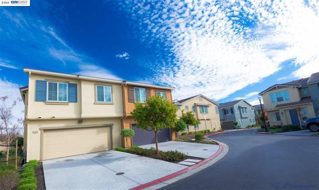 1004 Old Oak Ln, Hayward, CA