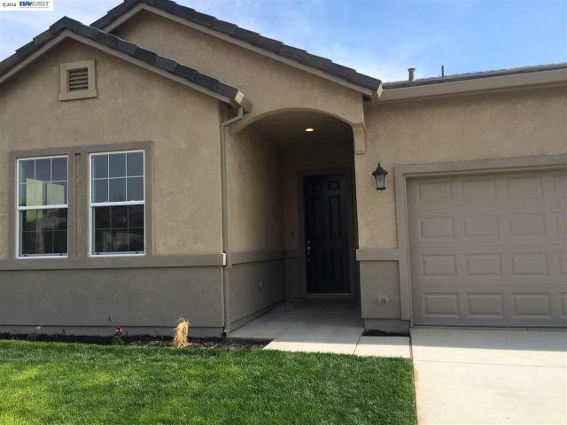 1015 Summer Ln, Patterson, CA