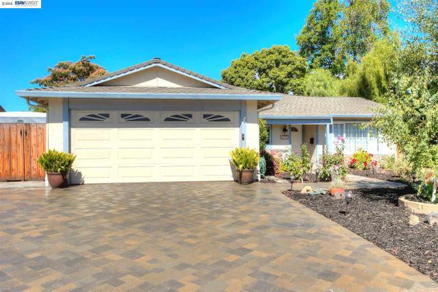 819 Geraldine St, Livermore, CA 94550