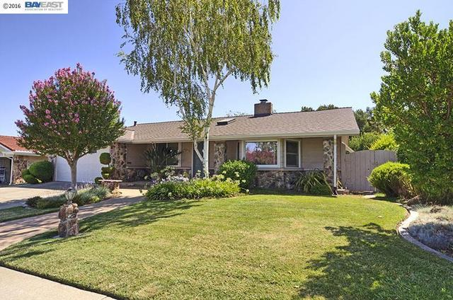 2030 Westbrook Ln, Livermore, CA 94550
