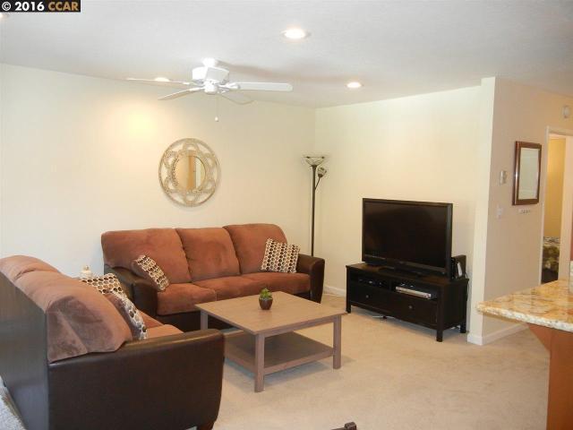 1036 Oak Grove Rd #82, Concord, CA 94518