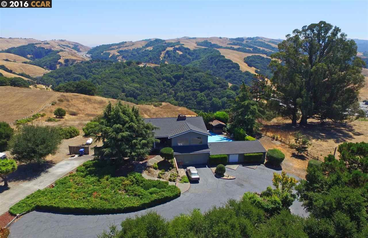 6747 Sunnyslope Ave, Castro Valley, CA 94552