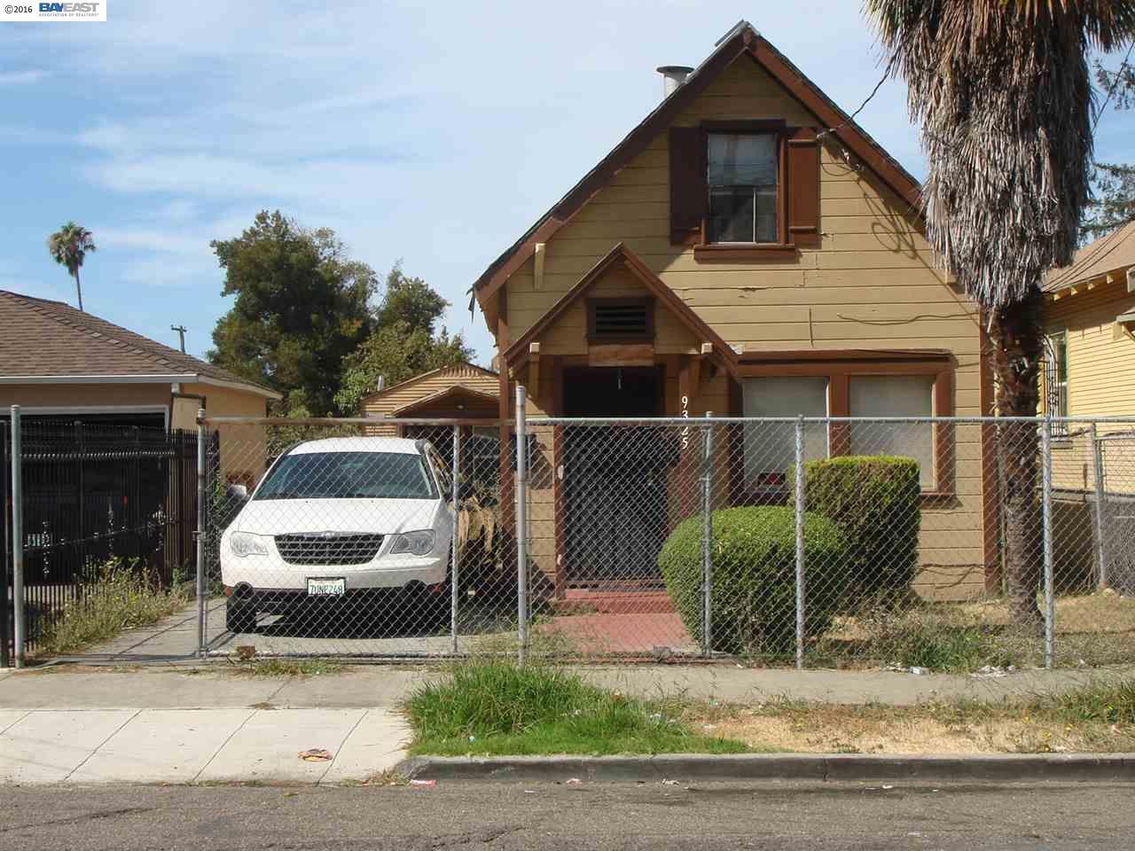 9325 Hillside St, Oakland, CA 94603