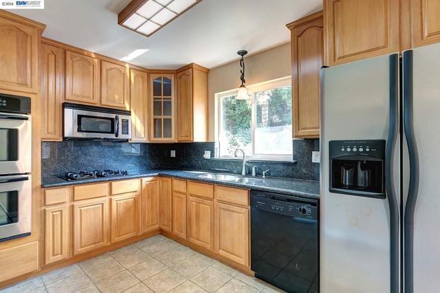 25256 Windfeldt Rd, Hayward, CA 94541