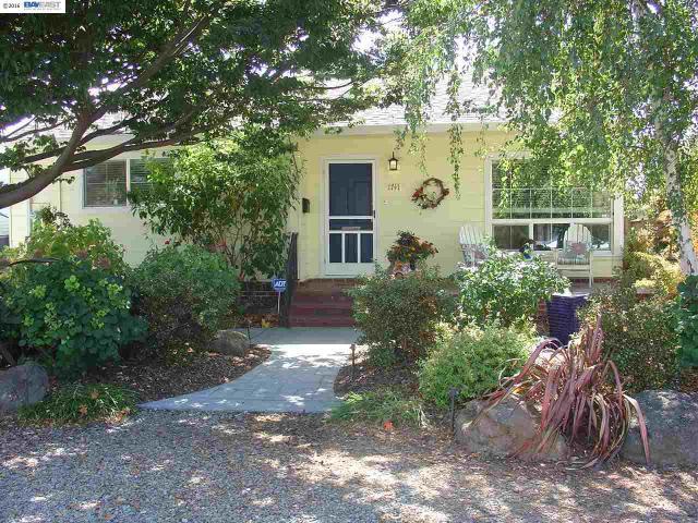 1741 Knox St, Castro Valley, CA 94546