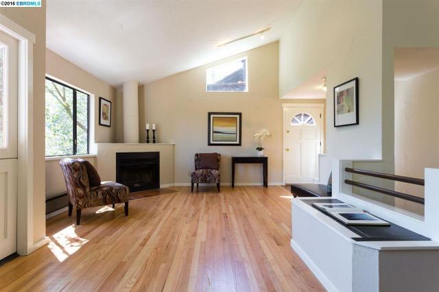 6980 Pinehaven Rd, Oakland, CA 94611