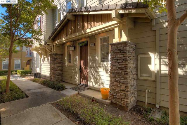 49103 Woodgrove Cmn, Fremont, CA 94539