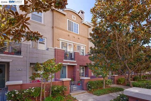 716 City Walk Pl #2, Hayward, CA 94541