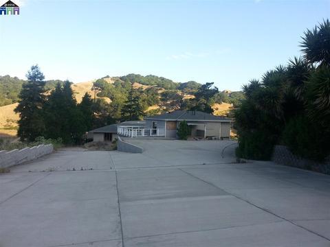 7825 Crow Cyn, Castro Valley, CA 94552