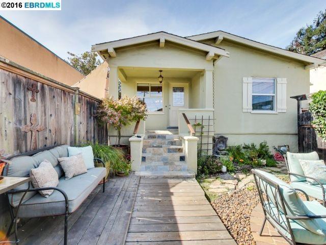 2820 Wallace St, Berkeley, CA 94702
