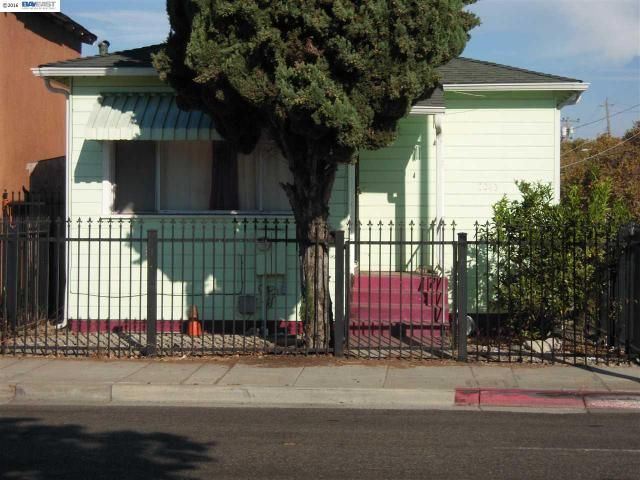 2045 98th Ave, Oakland, CA 94603
