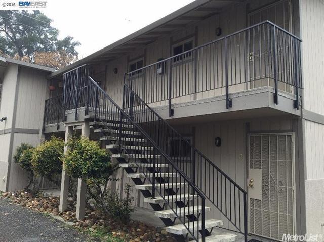 1028 N Commerce St, Stockton, CA 95202
