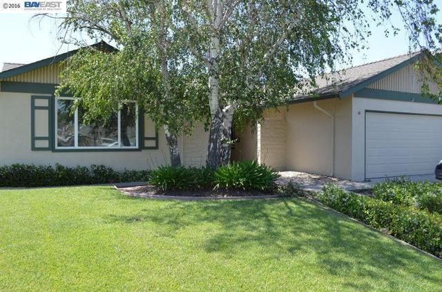 1070 Arlington Rd, Livermore, CA 94551