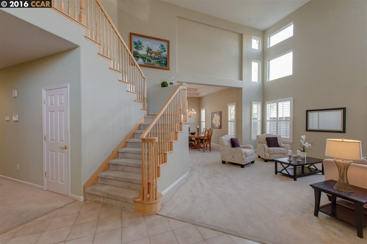 5400 Woodhollow Court, Concord, CA 94521