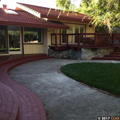 550 Golf Club Rd, Pleasant Hill, CA 94523