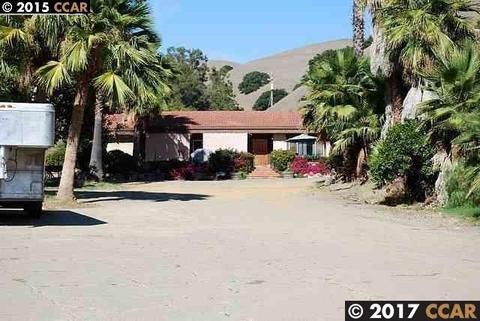 350 Mayhews Rd, Fremont, CA 94536