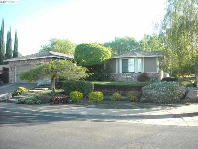896 Santa Ana Dr, Pittsburg, CA 94565
