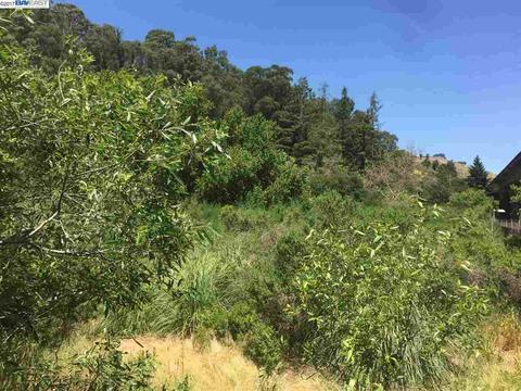 Fraga Rd, Castro Valley, CA 94546