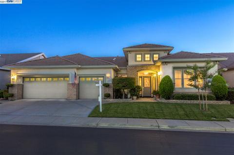 716 Richardson Dr, Brentwood, CA 94513
