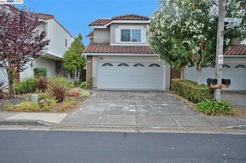 6895 Lariat Ln, Castro Valley, CA 94552
