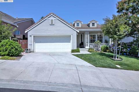 2552 Ridge Crest Ct, Castro Valley, CA 94546
