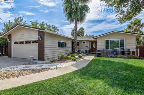 2 E Lake Pl, Antioch, CA 94509