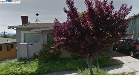5221 Camden St, Oakland, CA 94619