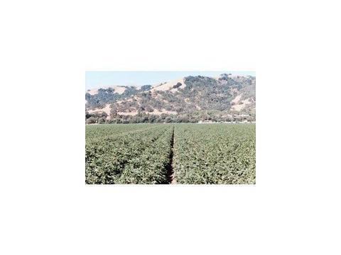 5015 Monterey Rd, Gilroy, CA 95020