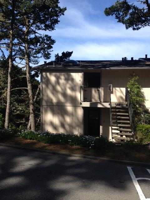 250 Forest Ridge Rd #32, Monterey, CA 93940