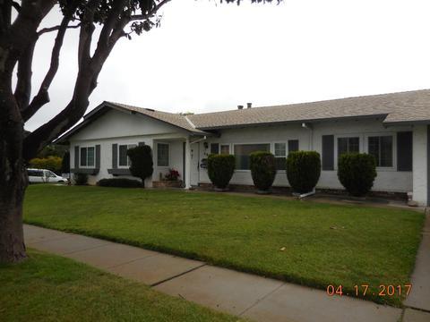 592 Saint Edwards, Salinas, CA 93905