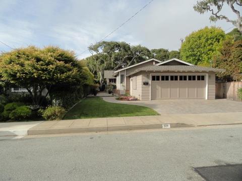 826 Marino Pines Rd, Pacific Grove, CA 93950