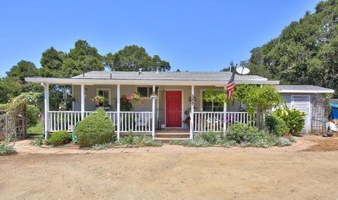 50 Paradise Rd, Salinas, CA 93907